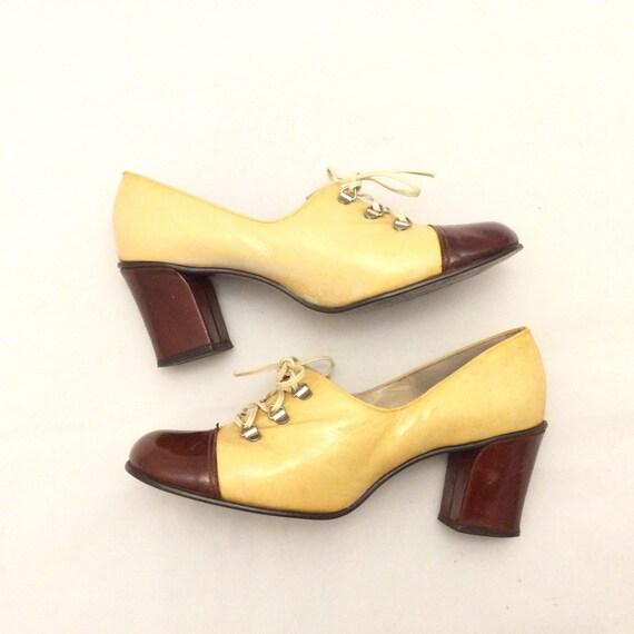 3a745e68576 Vintage Mod chunky heel shoes laces color block funky retro