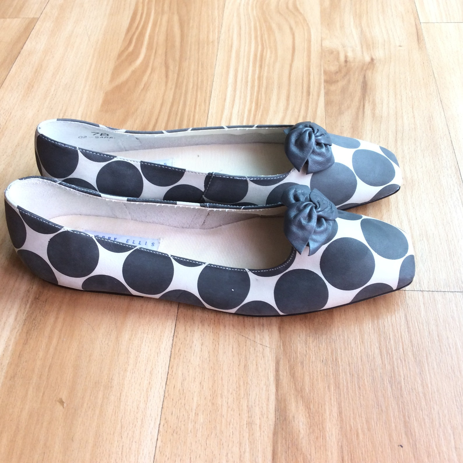 vintage flat new old stock perry ellis mod 80s shoes ballet size 7 narrow funky retro