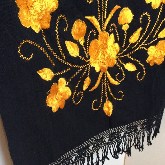 1950s Mexican embroidered shawl wrap vintage Mid … - image 3