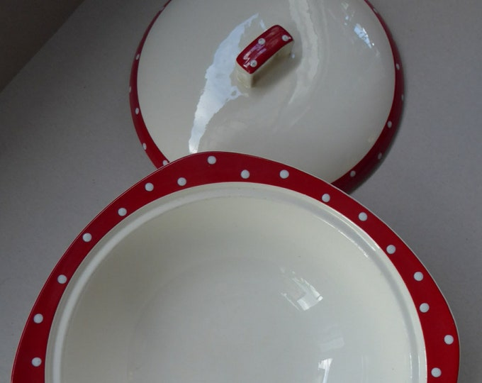 1950s RED DOMINO Midwinter Lidded Serving Dish or Tureen. Designed by Jessie Tait. Good Condition