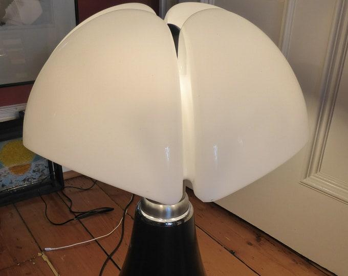 Vintage 1960s GAE AULENTI Pipistrello Large Lamp for Martinelli Luce. White Shade & Black Base. Telescopic Chrome Fittings