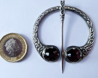 SOLID SILVER. Vintage Celtic Penannular Brooch Pin with Knotwork Details and Two Purple Coloured Inserts