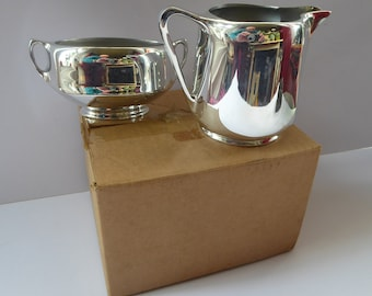 UNUSED 1960s PICQUOT WARE Vintage Milk Jug and Open Sugar Bowl with Twin Handles. Pristine condition and still in box