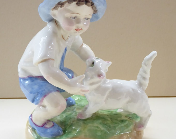 Royal Worcester Figurine SEPTEMBER. Modelled by Freda Doughty. No. 3457 PRISTINE