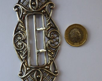 1887 HALLMARKED SILVER Large Belt Buckle. Decorated with C-Scrolls and Mesh Details: 3 1/2 inches in height
