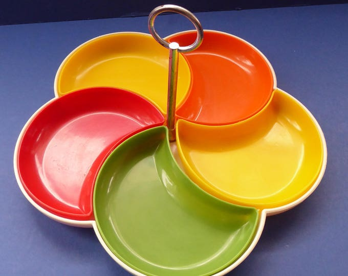 Vintage 1960s PLASTIC Flower Power Nibble Serving Dish with Rainbow Coloured Slot in Trays