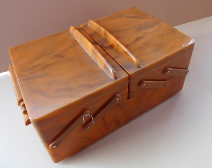 LARGE 1950s ORANGE PLASTIC Twinco Expandable Concertina Opening Sewing Box. Good Vintage Condition