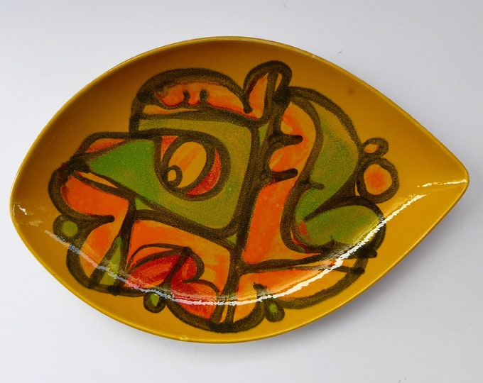Early 1970s POOLE DELPHIS Shield Dish. Shape No. 21. Signed: CB for Cynthia Bennett