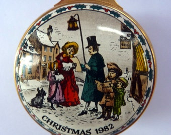 Vintage Halcyon Days Enamels Christmas Box 1982. Victorian Carol Singer Motifs. Excellent Condition