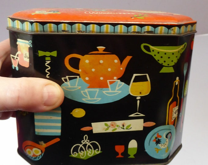 Vintage 1950s SCOTTISH Biscuit Tin by Macfarlane Lang. Stylish Mid Century Image with Stylised Kitchen Collectables