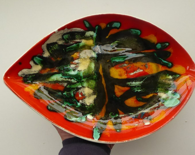Early 1970s POOLE DELPHIS Shield Dish. Decorated by Pamela Bevans