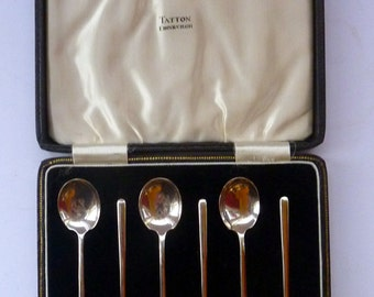 Lovely Boxed Set of Hallmarked SOLID SILVER Coffee Spoons: Birmingham 1934 HT & S