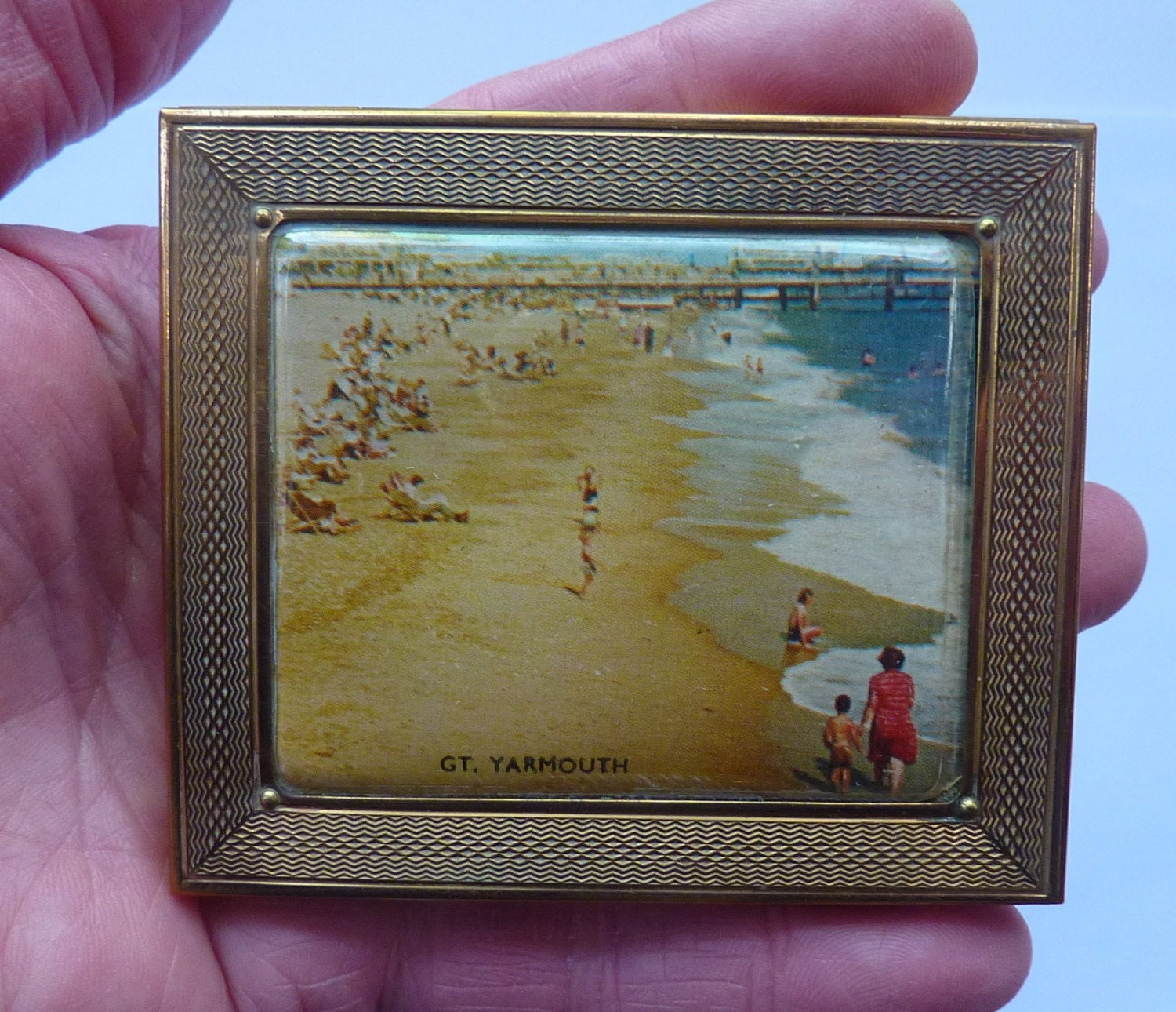 Sweet little vintage 1940s gwenda cigarette case business card sweet little vintage 1940s gwenda cigarette case business card case with a view along the beach at great yarmouth reheart Gallery