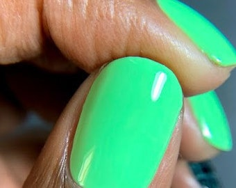 Lime green nails - vegan - cruelty free  - 15ml -  Spring 2019 - stamping polish