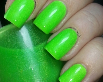 Yoshi Nail Polish - neon green - Holographic - UNRETIREED limited edition 15 ml;