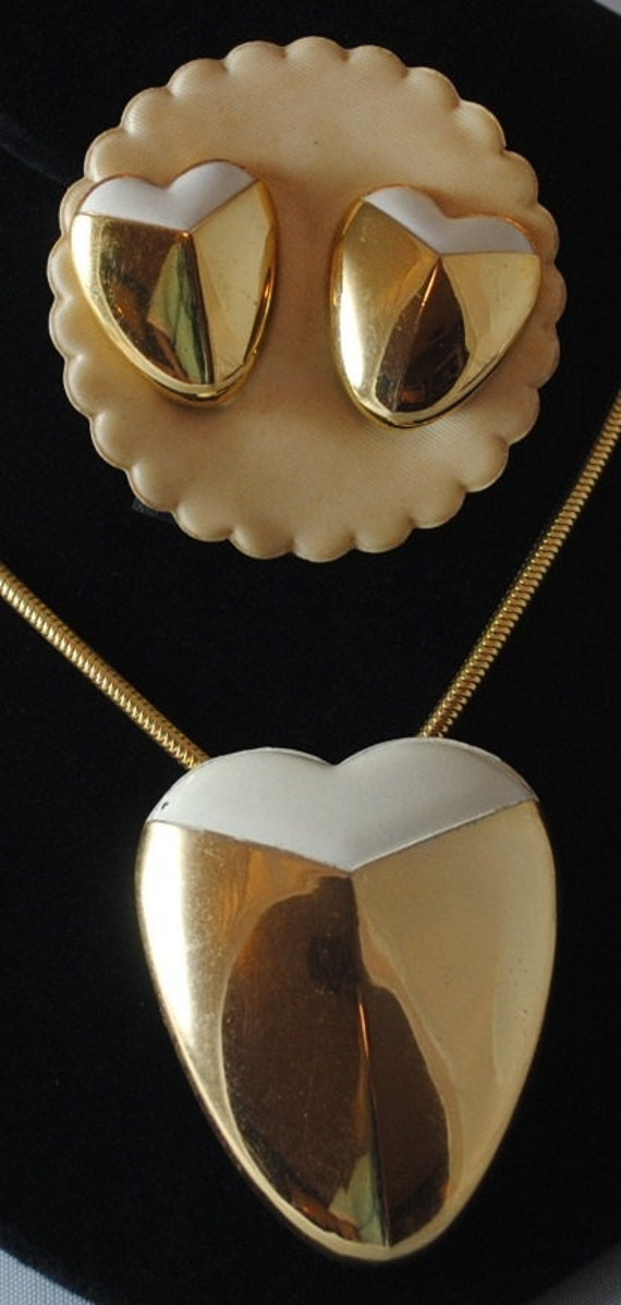 Vintage Lanvin Paris Heart Pendant & Earrings Set… - image 2