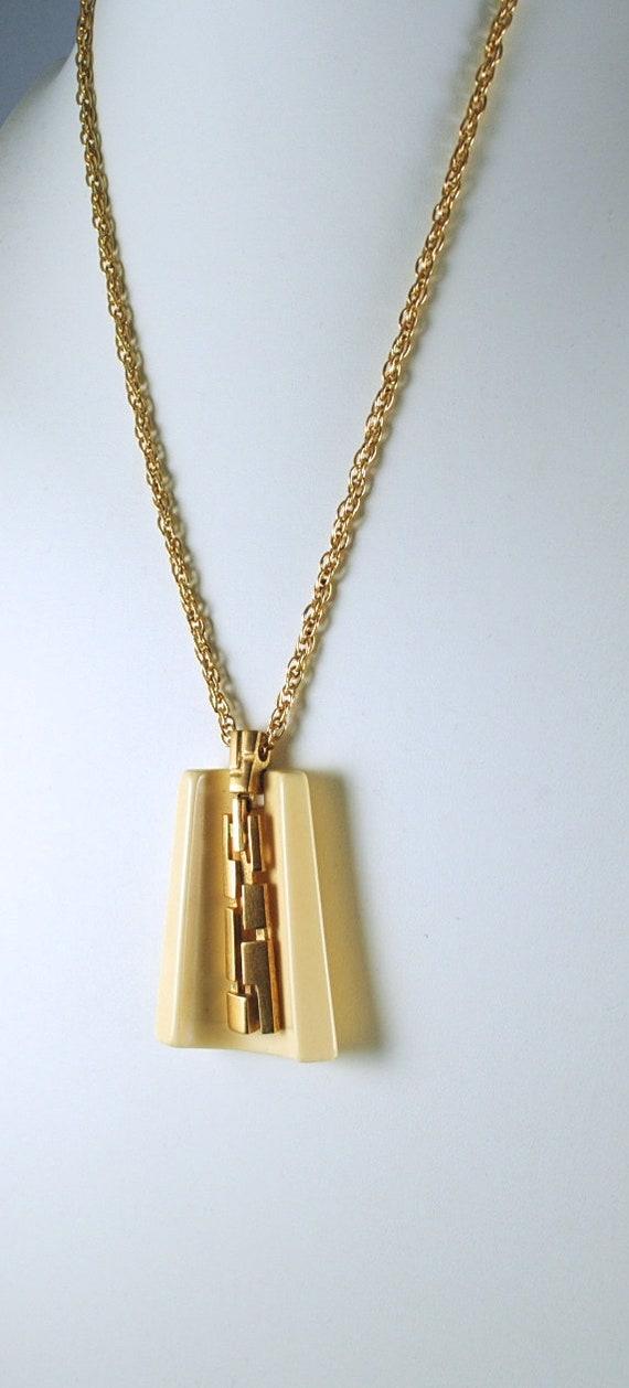 Vintage Necklace Lanvin-Like Resin Pendant 1970s