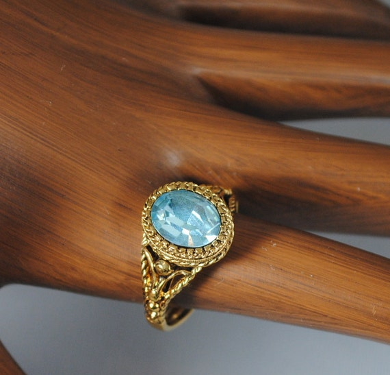 Vintage Gorgeous Blue Crystal Ring 1970s