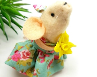 Daffodil - Spring mouse ornament,