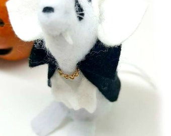 HALLOWEEN ornament,Mouseferatu The Vampire Mouse a perfect Handmade mouse gift, geekery, felt needlecraft