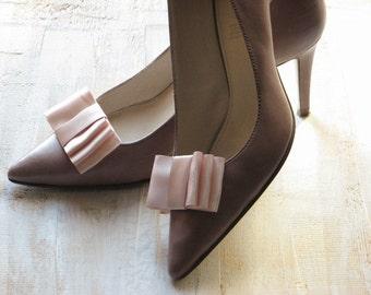 Blush shoe clips Blush wedding Blush wedding shoes Pale pink shoes Bridesmaids shoes clips Blush bridal shoes Blush bridesmaids shoe clips