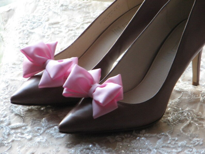 da8caeafff4f Pink shoe clips Pink bridal accessories Pale pink shoes Pink