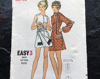 V Neckline Sailor Dress Misses/' and Women/'s One-Piece Dress with Two Collars and Two Skirts in Half-Sizes 1960/'s Pattern Simplicity 5889