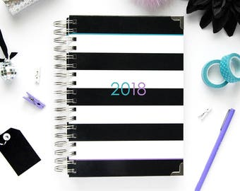 The 2018 Ashley Shelly Planner: Black & White Stripe (Jan-Dec)
