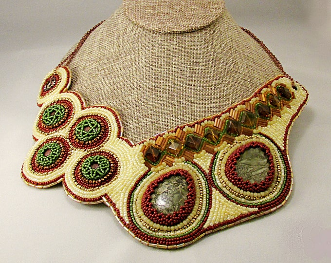 Beaded collar with lace agate cabs