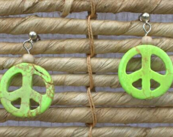 SALE! 10% off! Green peace sign earrings