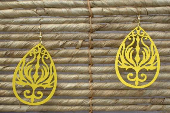 SALE! 10% off! Yellow wood cut-out drop earrings