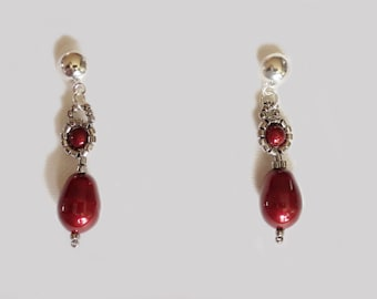 Anne Boleyns Everyday Pearl Earrings