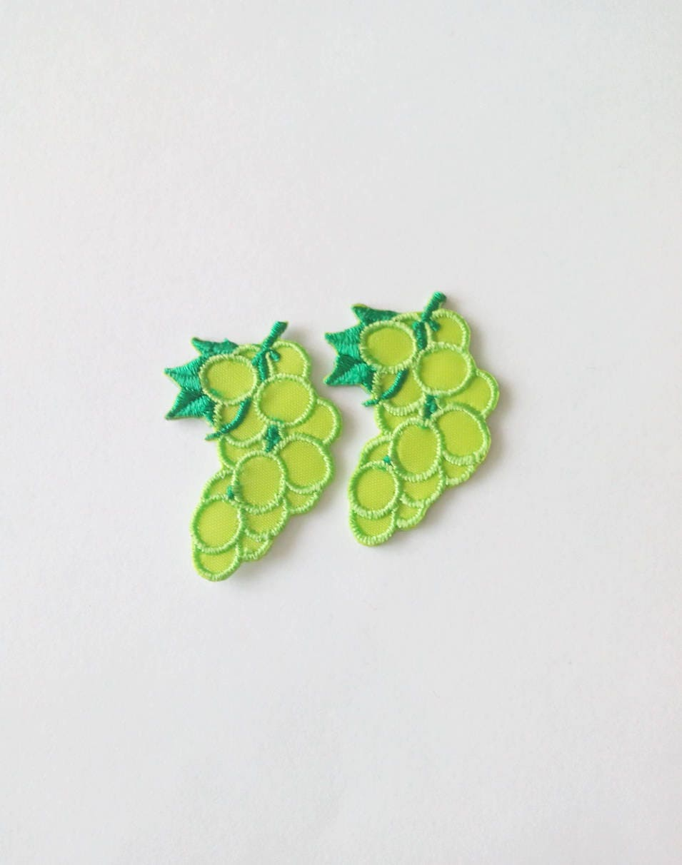 """Go Green Fully embroidered Iron On Applique Patch Tree Green 2 3//8/""""H"""