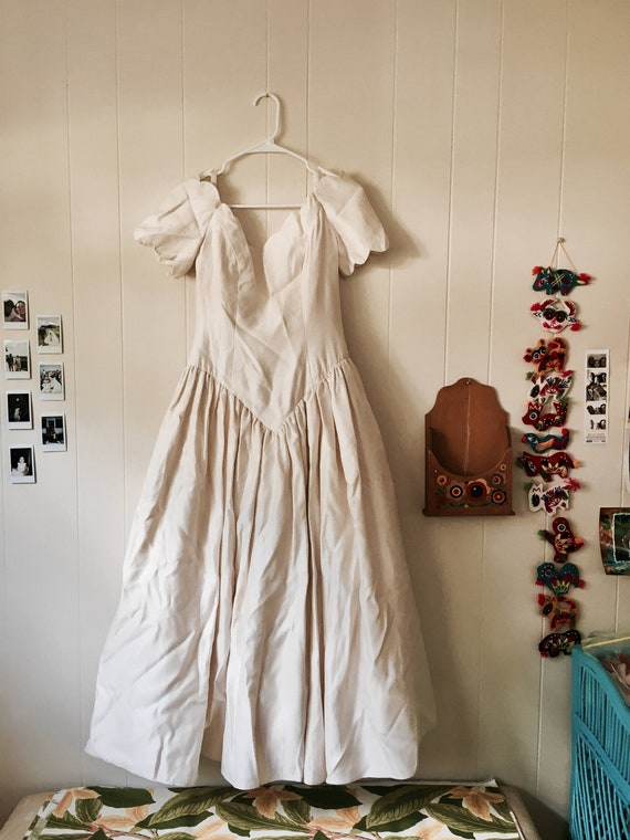 50's scalloped wedding dress | small