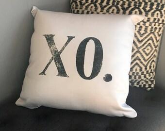 Gray XO Pillow / Throw Pillows / XO Pillow / Black and Gray / XOXO Decor / Farmhouse Decor / Farmhouse Pillow / Love This Way / Gray Pillow