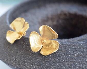 Goldplated silver flower earrings