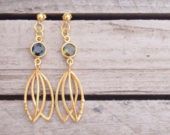 Tulip earrings with green tourmaline gemstone