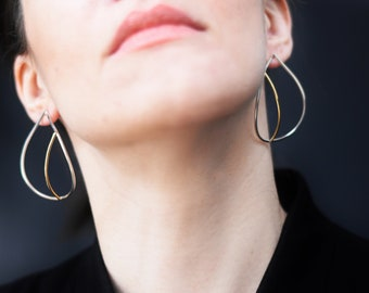 Teardrop earrings in sterling silver and brass