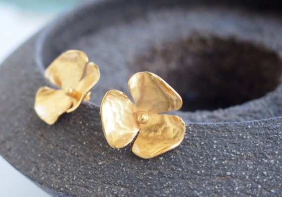 Goldplated silver flower earrings