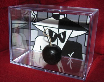 Spy vs Spy Collectible Bomb Display.New Item,Unique/Fun Gift ...Great Addition to a Mad Collection