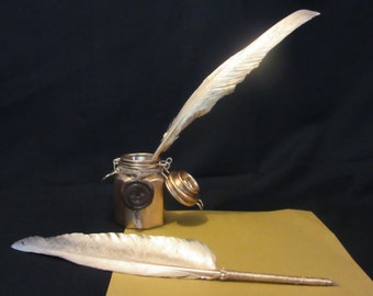 Gold Wedding Feather Pen and holder