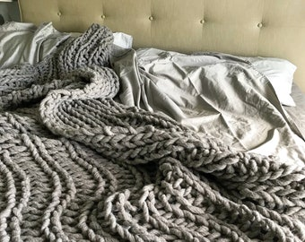Chunky Blanket, this wool throw is hand knit, made with hand spun chunky yarn, chunky knit home decor