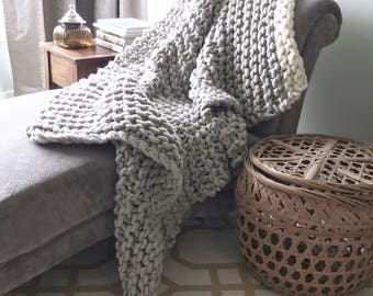 Chunky blanket in silver Grey and Cream, it is warm and cozy, chunky knit with natural hand spun yarn and knit with large needles
