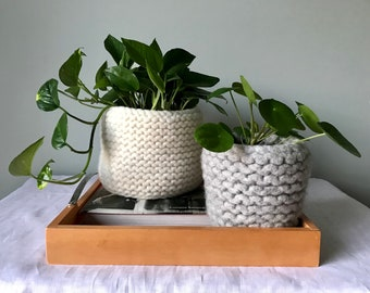 Wool Plant Basket made with Felted Yarn, Decorative Basket or Stationery Holder, Artistic Felted Vessel for Front Entrance or Living Room