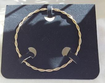 Sarah Coventry Double Twist Goldentone Bracelet 9033   Vintage in Box