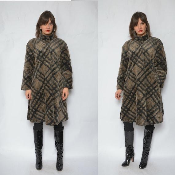 Faux Fur Oversized Coat  / Vintage 80's Geometric