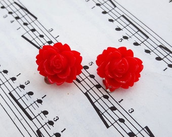 Red flower clip on earrings - red rose, vintage inspired on silver base