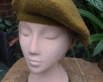 131d1d886c4 A ladies tam-o-shanter in a tweedy mustardy greeny-gold yarn