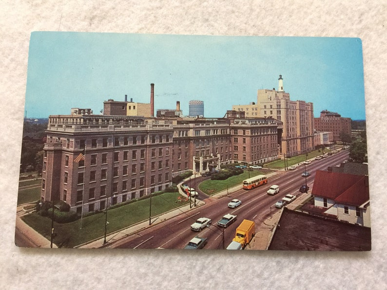 Methodist Hospital, Indianapolis, Indiana Vintage Postcard