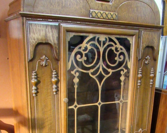 China Cabinet Jacobean style
